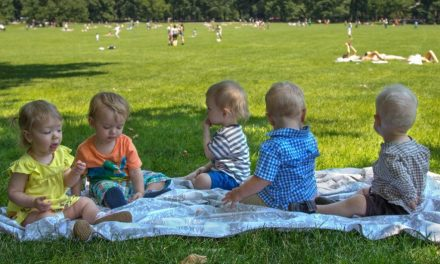 O Curioso Protocolo Social dos Bebês – 3 Regras Sem Sentido