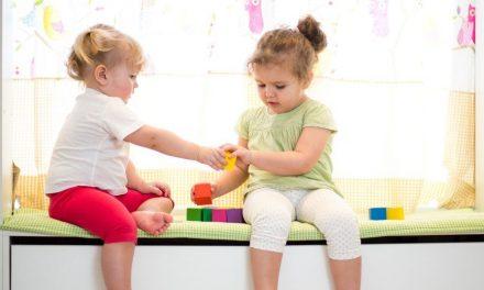Dar Escolha A Crianças Aumenta O Espírito de Compartilhamento
