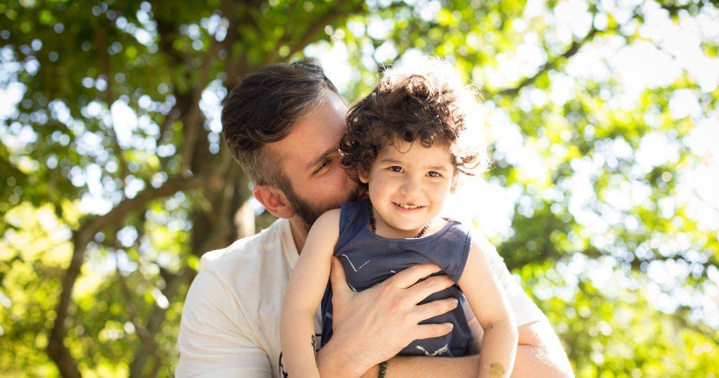 Estudo Mostra Que, Quanto Mais Você Abraça Seu Bebê, Mais Seu Cérebro se Beneficia