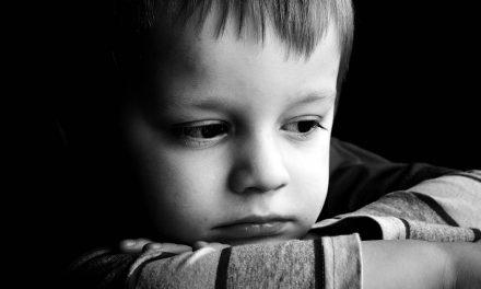 Como Ensinar Empatia aos Nossos Filhos (Ou Não Diminua os Sentimentos dos Seus Filhos)